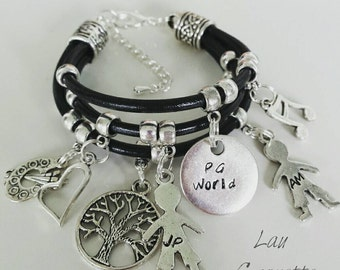 Bracelet engraved with charms Engraved bracelet & charms