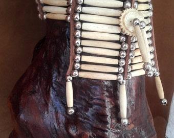 Choker - bones and beads ref C 72