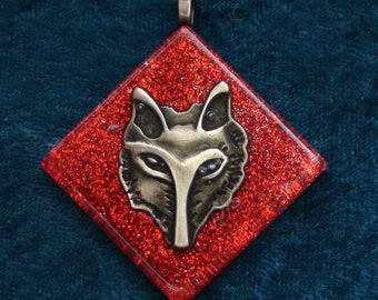 Red Root Wolf / Fox Face Muladhara Chakra-Tuning Blue Orgone 50mm Unisex Pendant 72 energy harmonizing crystals Quartz chain or cord