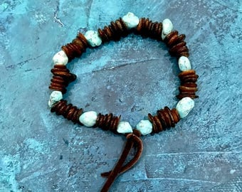 Bohemian Style Bracelet, Turquoise Stone Bracelet, Brown Shell Beads and Turquoise, Turquoise and Brown Bracelet, Boho Beaded Bracelet