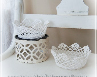 Mini Doily Bowl, Lace Bowl, Shabby Chic, Cottage Chic, Rustic Farmhouse, Gift, home decor, white, wedding, basket, crochet doily, handmade