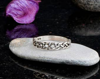 Celtic ring, silver celtic ring for women, celtic knot ring, sterling silver, celtic braided ring, braid jewelry, celtic engagement ring.