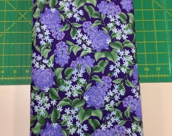 Lazy Lilacs fabric. Purple violet flowers leaves leaf lilac quilters cotton quilting Blank Textiles 1962