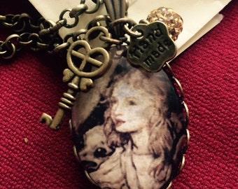 Alice in Wonderland's pendants with charms / Ciondolo Alice nel Paese delle Meraviglie con charms