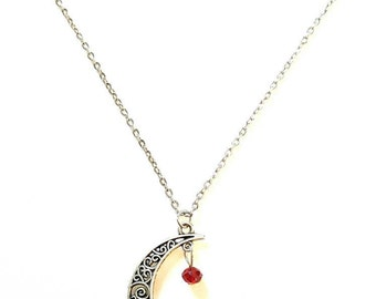 Garnet Necklace, January Birthstone Necklace, Silver Moon Necklace, Crescent Moon Necklace, Capricorn Necklace, Aquarius Necklace, Handmade