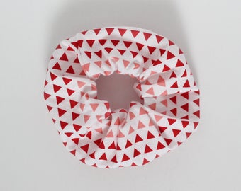 Scrunchie, Triangles, Coral, Cherry red, Pink, White, Geometric print, Hair tie, Fashion accessory, Elastic band, Ponytail, Cotton
