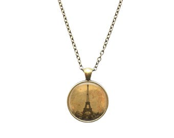 Vintage jewelry Paris necklace Eiffel Tower pendant