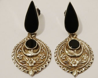 Unique Sterling Silver Beautifull Large Hand Hammered Onyx Hinge Earrings.