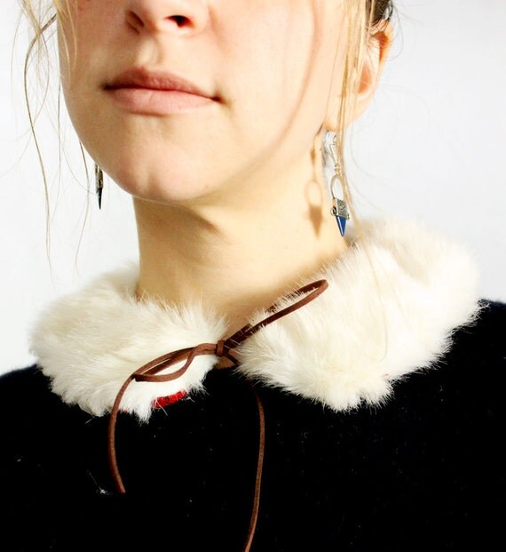 Detachable Fur Peter Pan Collar with Faux Suede Ribbon Tie, Winter Accessory, White Fur Collar, Sweater Topper Stocking Stuffer Vintage Gift