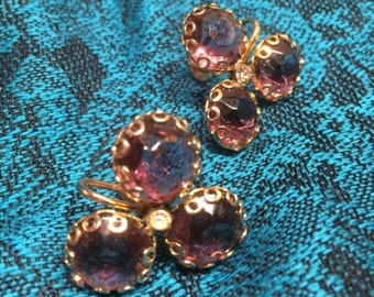 Lovely vintage screw-back earrings - perfect for Mother's Day