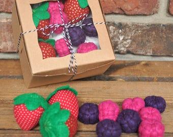 Felt Summer Berry Set (Strawberries, Blackberries, Raspberries) - Felt Food for Pretend Play