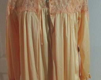 Vintage  Gay-Lure Peachy Tangerine Nylon Lace Nightgown And  Robe Peignoir Set  Medium