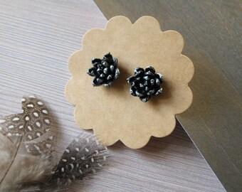 Small silver earrings for women Birthday gift ideas for Sister gift under 15 Silver stud earrings Tiny flower earrings Minimalist jewelry