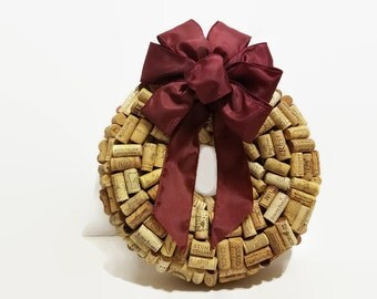 Wine Cork Wreath Small - Wine Lover - Wine Cork Decor - Wine Lover - Wine Cork Craft - Wall Decor - Door Decoration - Eco Friendly Craft