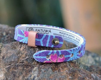Japanese kimono bracelet. Genuine leather covered in traditional Japanese fabric. Men/Unisex jewelry.Blue.Japanese motif.Gift.Made in Japan.