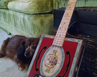 Cigar Box Ukulele, Tenor, hand made to look vintage with great musical quality