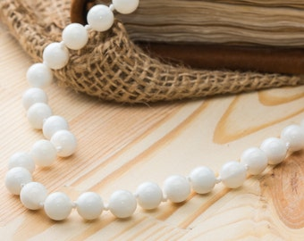 White jade necklace woman necklace sister neckalce white necklace beaded necklace gift for woman yoga jewelry gift necklace gift for wife