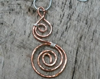 Double swirl copper hammered mixed metal pendant necklace