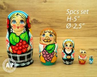 "Ukrainian nesting dolls, babushka doll, matryoshka, Home Decor, collectible dolls, handmade gifts, stacking dolls, dolls, 5"" 12cm, set of 5"