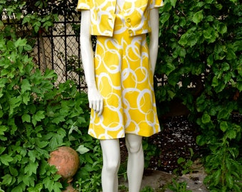 MOLYNEUX 1970 Yellow and White Set of a Dress and a Cropped Jacket