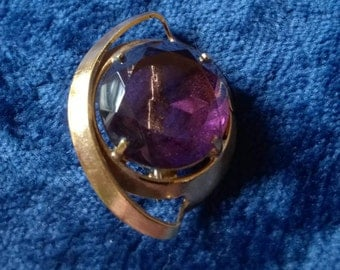 Vintage Brooch, Gold Brooch, Vintage Jewelry, Costume Jewellery, Purple Stone, Glass, Vintage Pin, Gifts for Her