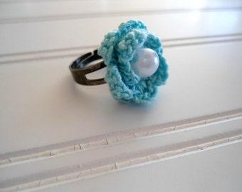 blue crochet flower ring, adjustable ring, blue ring, blue flower
