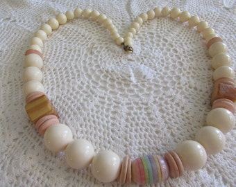 Vintage Beads/Vintage Necklace/Vintage Lucite Beads/Vintage Costume Jewelry - FREE SHIPPING U.S.A.!!!