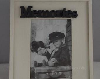 Memories Photo Frame Picture Frame Cream & Black Cut Out Memories HX2411