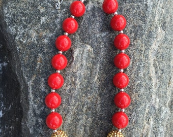 Red And gold chunky necklace, Valentines Day necklace, holiday necklace, bubblegum necklace, school spirit, red & gold necklace