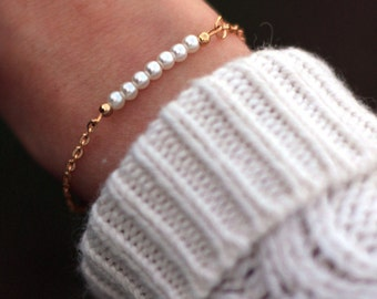 Dainty Pearl Bracelet | Bridesmaid Pearl Bracelet, Bead Bar Bracelet | Bridesmaid Gold Layering Bracelet | Bridesmaid Jewerly