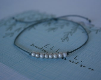 Minimal bracelet - simple bracelet - beads bracelet - minimal jewelry - simple jewelry - minimalistic - minimalism -simplistic