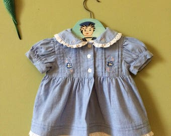 Vintage baby dress / girls vintage dress. Light blue cotton denim. Ladybird 1980s 1990s. Embroidered flowers. Peter Pan collar. 0 - 3 months