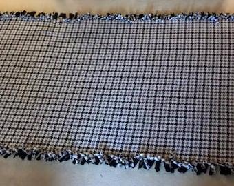 Houndstooth Fleece Blanket