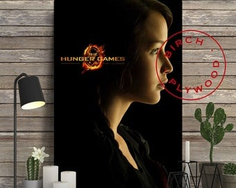 THE HUNGER GAMES - Poster on Wood, Jennifer Lawrence, Josh Hutcherson, Liam Hemsworth, Gary Ross, Unique Gift, Birthday Gift, Print on Wood