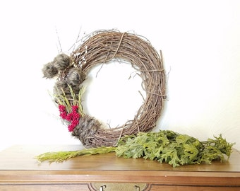 SALE! WREATH. fur and cranberries.