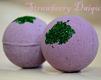 STRAWBERRY DAIQUIRI Bath Bomb