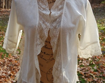 20's | 30's art nouveau | Women's summer boho clothing|  Romantic off-white bolero shrug in linen | Cheesecloth blouse with lace | Small