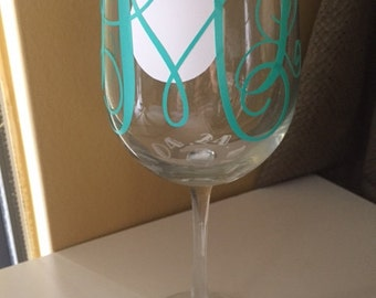 Personalized wedding date glasses