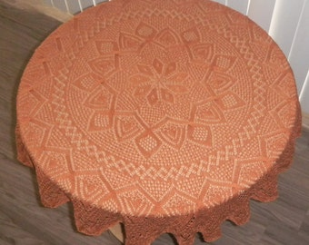 Round lace knitted tablecloth 31in in diameter (Kn1/Kn2)