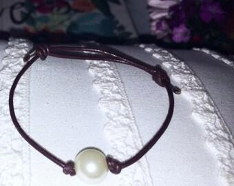 Leather & Single Pearl Bracelet :)