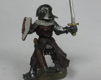 Dungeons and Dragons Miniature - DND - Paladin / Knight / Fighter - Hand Painted - Vintage - Ral Partha - RPG - Miniatures