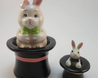 Magic Bunny, Pull a Rabbit from the hat, Salt and Pepper Shakers, Magic Hat