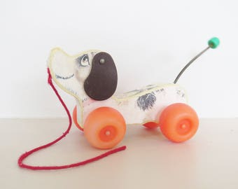 Fisher Price dog // Pull Along Dog // Vintage Fisher Price Toy // Vintage Baby // Gift for kids // Baby Shower // Birthday Gift