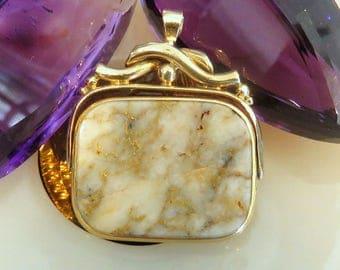 Vintage gold quartz pendant 14k