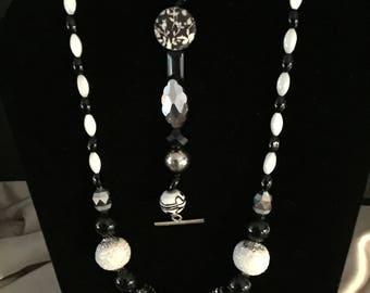 Chunky black and white necklace/bracelet set