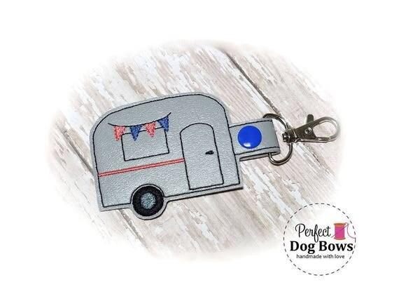 Caravan Trailer, Camper Keychain, Camping Trailer, Happy Camper, Happy Glamper, Retro Camper, Camping Gift