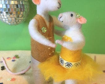 Needle Felted Mouse Fibre Sculpture. OOAK Art Doll. Dancing Mice Couple, Yellow Dress. Wooly Sculpture Made By The Felt Fairy