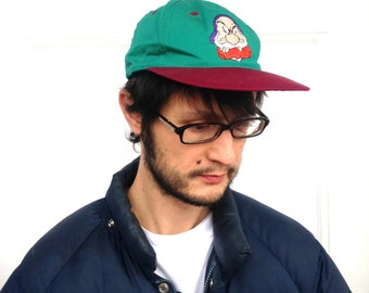 90's GRUMPY Baseball Cap in XS Small Children's . Disney Snow White Dwarf Dwarves . 1990s Green and Maroon Kids Cap Youth Video Release