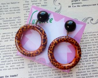 Rrrraarrr!  1950s style novelty bad girl large leopard print drop hoop earrings by Luxulite
