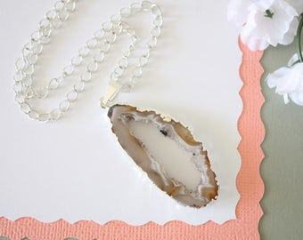 Geode Necklace Silver, Crystal Necklace, Geode Agate Slice, Boho Jewelry, Druzy Pendant, Vegan, Silk Jewelry, Natural Geode, GS114